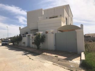 Complexe habitation Haut Standing( Villa + 6 Appartements et Un studio) à ben arous